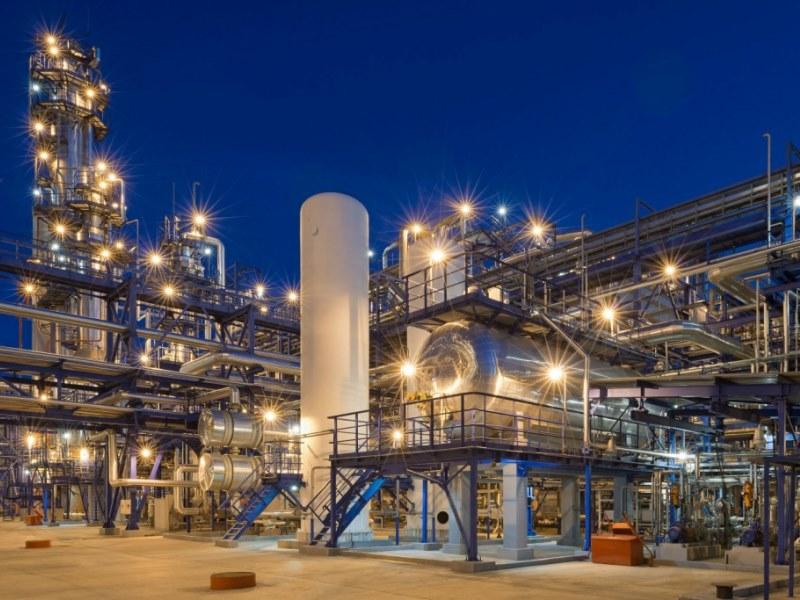 5 сентября 1955 года начал свою работу новый нефтеперерабатывающий завод в Омске – Омский НПЗ. В то время завод ежегодно перерабатывал почти 3 млн. т нефти
