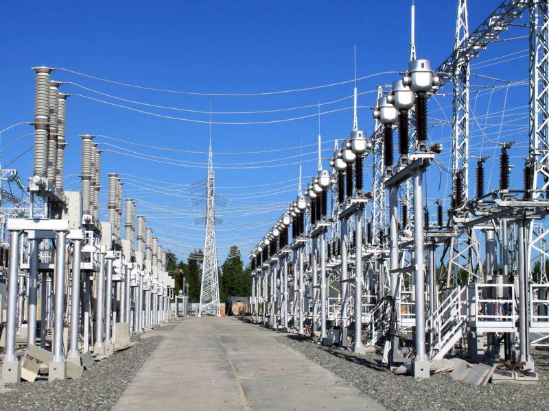 Амурские электрические сети закончили осуществление проекта по сооружению подстанции 35/10 кВ «Заводская». Энергообъект предназначен для снабжения электричеством двух стройплощадок «Газпром переработка Благовещенск».